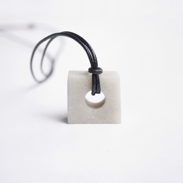 Picture of White Square Necklace 'Blend'