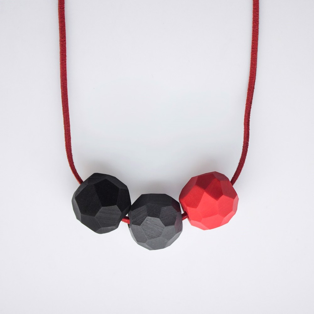 Picture of Strawberry flavor Necklace 'Builder'