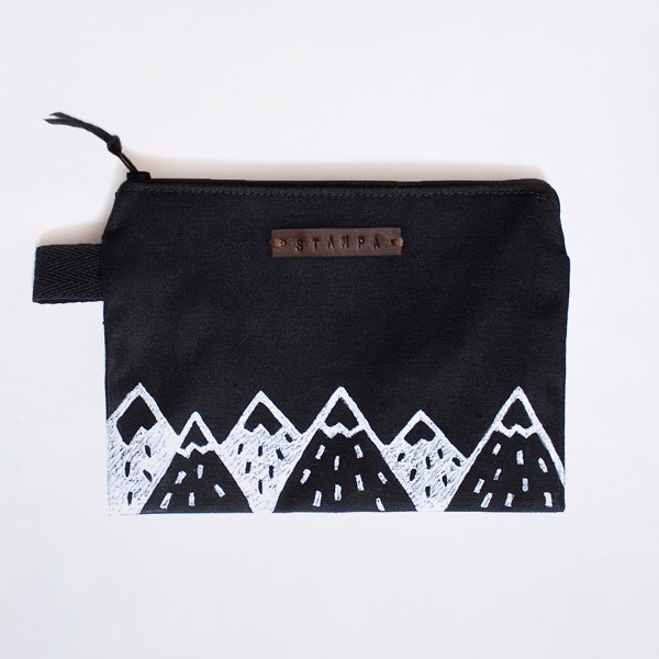 Picture of Black Mountains Zipper Pouch