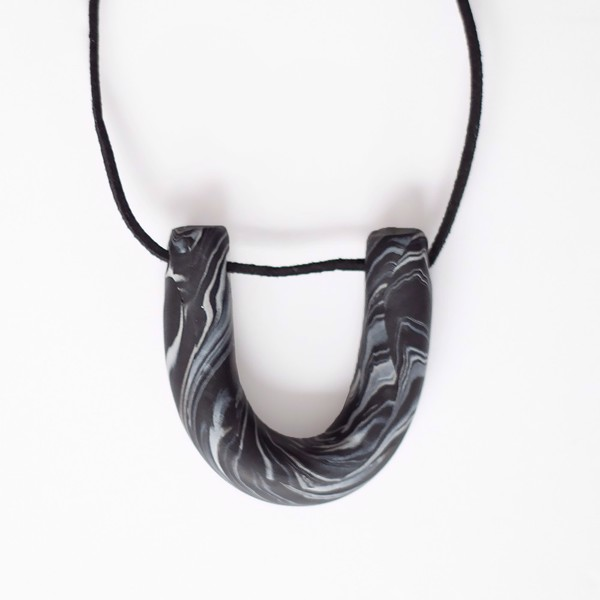 Снимка на Marble Necklace 'Surfaces'