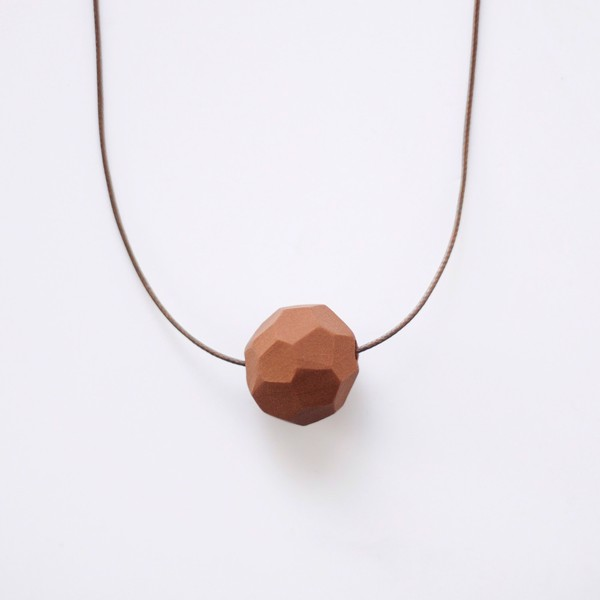 Picture of Small Caramel Necklace 'Stones'