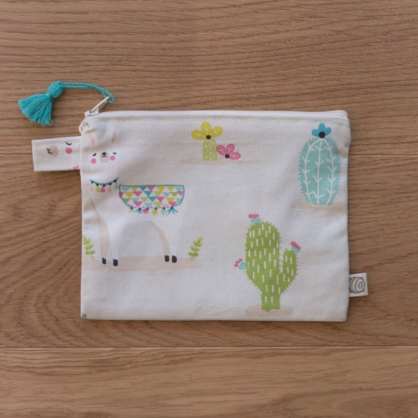 Picture of Lama Pouch Print 1