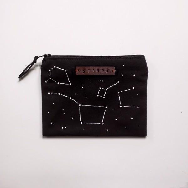 Снимка на Mалък черен несесер със съзвездия